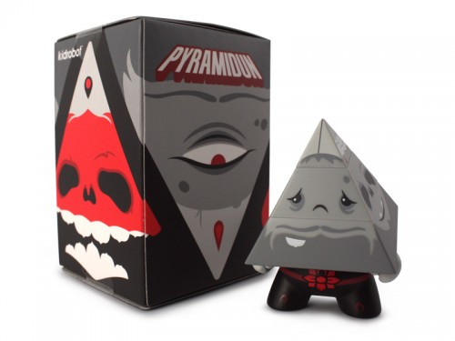 Dunny_Pyramidun_Black_WithBox_800